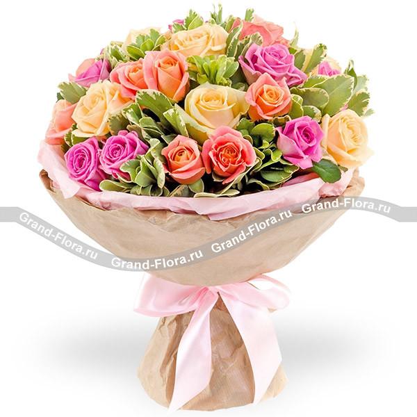 168b432f7d9a0 Купить букет цветов Музыка цветов - микс из разноцветных роз с ...